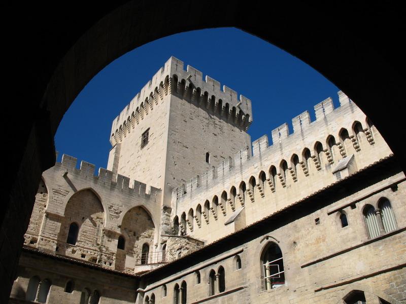 Avignon_Palaise_02.jpg
